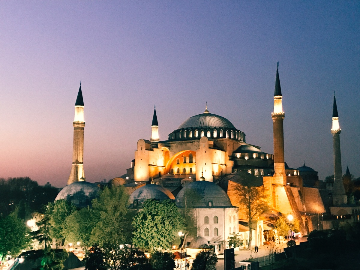 Sultanahmet Stunners: Hagia Sophia and The Blue Mosque